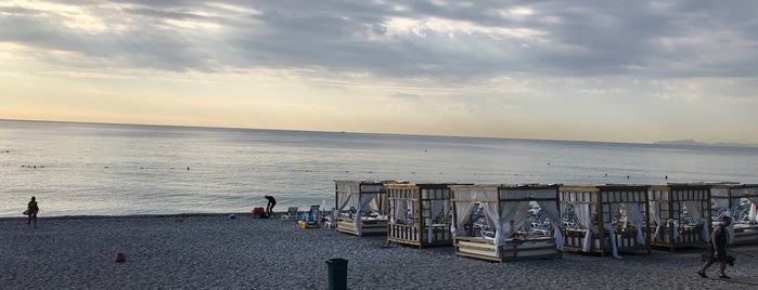 Lucky 13 Beach is one of Lugares favoritos de Ergün.