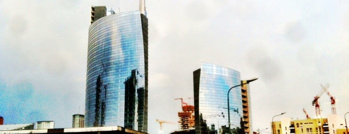 Quartiere Isola is one of 101Cose da fare a Milano almeno 1 volta nella vita.