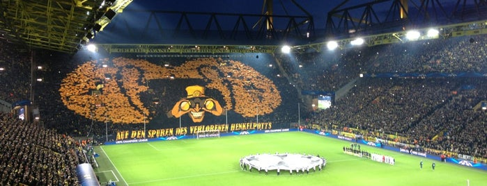 Signal Iduna Park is one of Locais curtidos por Carsten.