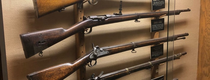 Winchester Historic Firearms Museum is one of Mitch 님이 저장한 장소.