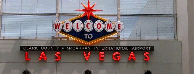 McCarran Airport VIP Lounge (LAS) is one of Tempat yang Disimpan Cristian.