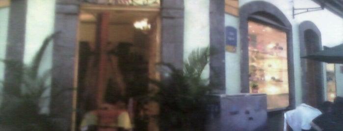 Café Dos Aromas is one of Locais curtidos por Elías.