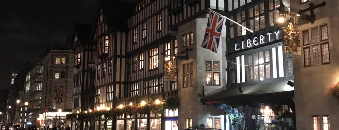 Liberty of London is one of Dsignoria'nın Beğendiği Mekanlar.