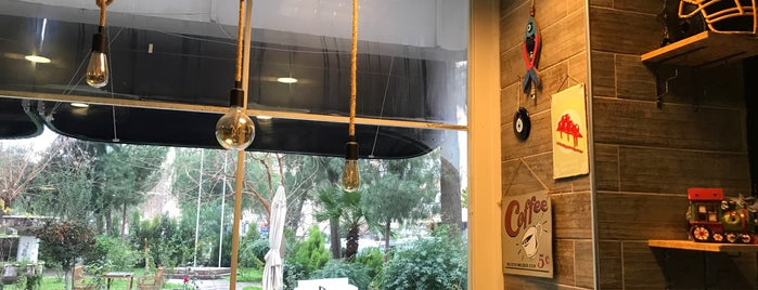 No 57 Cafe Nargile is one of Locais curtidos por Ufukcan.