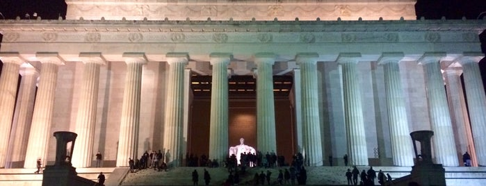 Lincoln Memorial is one of Tempat yang Disukai Vanessa.
