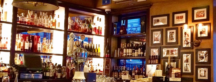 Brasserie Cognac is one of Vanessaさんのお気に入りスポット.