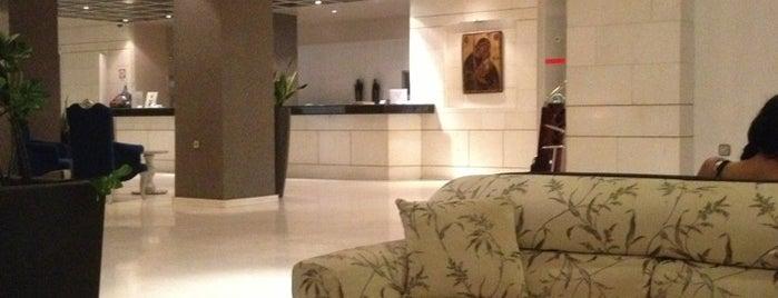 Hersonissos Palace Hotel is one of Posti che sono piaciuti a Irina.