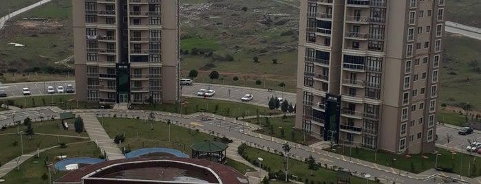 Gebze Emlak Konutları 1.Etap is one of Ekrem'in Beğendiği Mekanlar.