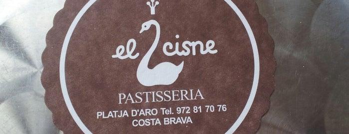 El Cisne is one of Locais curtidos por Yana.