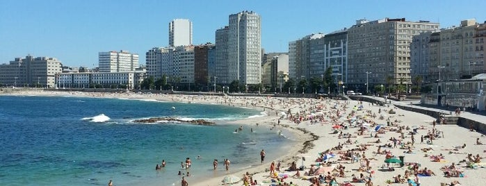 Praia de Riazor is one of Venues....
