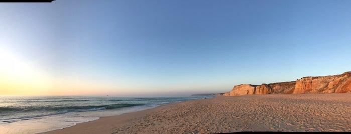 Praia D'el Rey is one of Locais curtidos por Mariana.