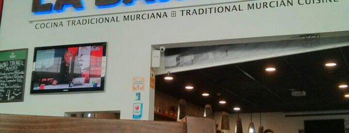 La Barraca is one of Lugares favoritos de Paola.