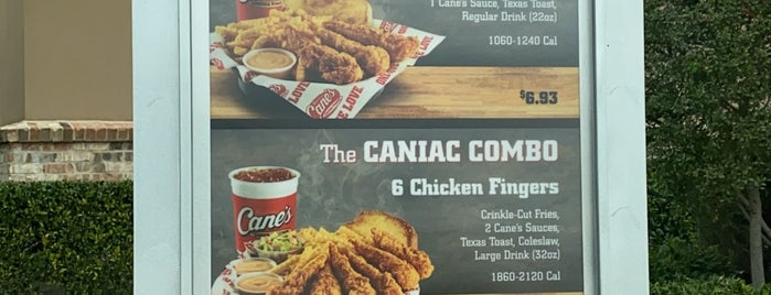 Raising Cane's Chicken Fingers is one of Rebeccaさんのお気に入りスポット.