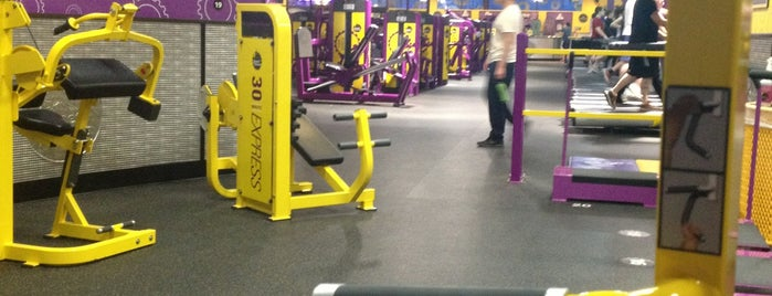 Planet Fitness - Temporarily Closed is one of Lieux qui ont plu à Matt.