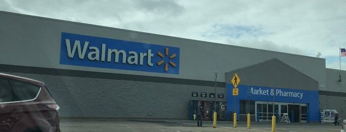 Walmart Supercenter is one of Posti che sono piaciuti a Jeremy.
