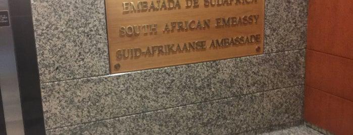 Embajada de Sudafrica is one of Clau'nun Kaydettiği Mekanlar.