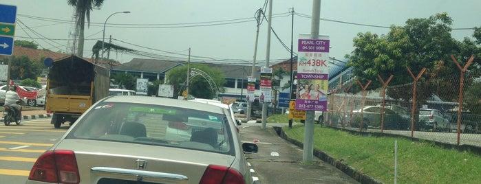 SMK Convent Bukit Mertajam is one of Gespeicherte Orte von Shuwirda.