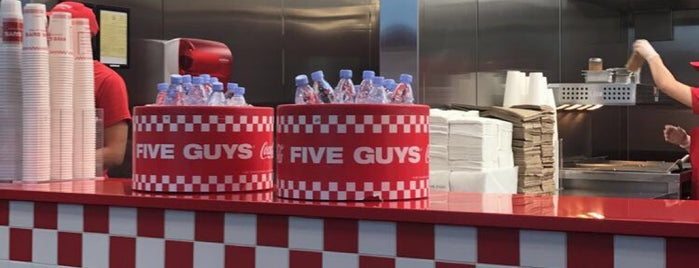 Five Guys is one of Lieux qui ont plu à N.