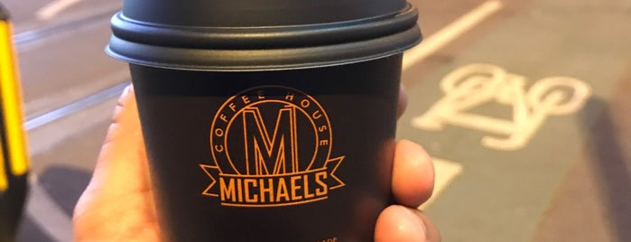 Michaels Coffee House is one of Lugares favoritos de gio.