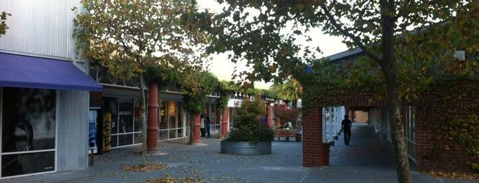 Petaluma Village Premium Outlets is one of Lieux qui ont plu à Ben.