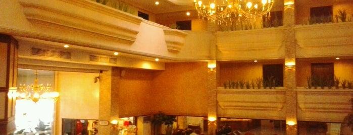 L'Fisher Hotel is one of Orte, die JÉz gefallen.