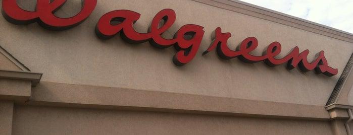 Walgreens is one of Lamya'nın Beğendiği Mekanlar.
