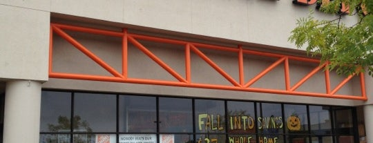 The Home Depot is one of Fuzz 님이 좋아한 장소.