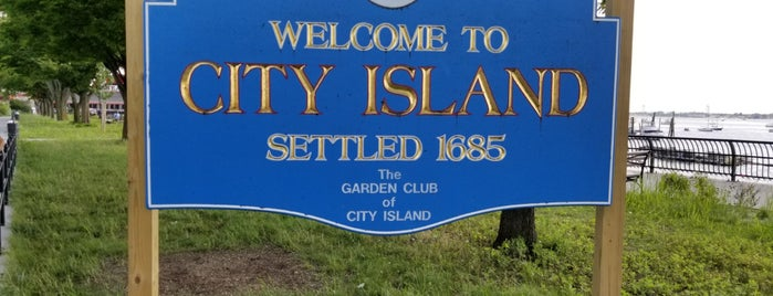 City Island is one of Tempat yang Disukai Jason.