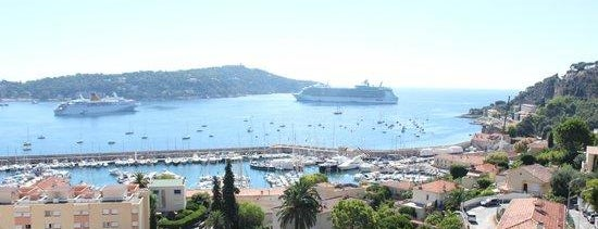 Hotel Versailles Villefranche is one of Siobhanさんのお気に入りスポット.
