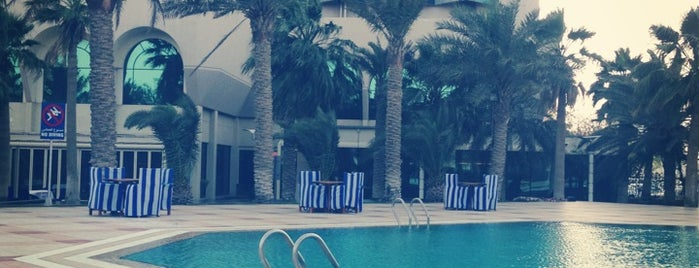 Sheraton Dammam Hotel & Convention Centre is one of Lugares favoritos de Hussain.