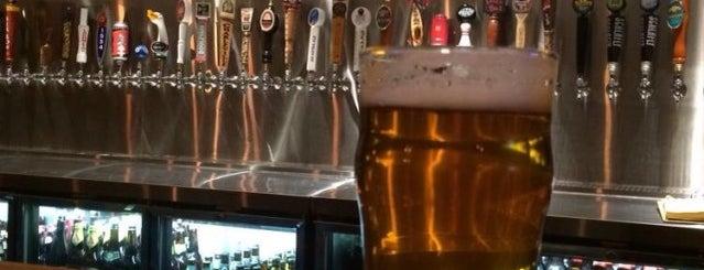 21st Street Brewers Bar is one of Lieux qui ont plu à Jasmine.