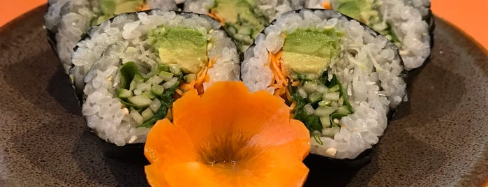 Izakaya Sushi is one of Posti che sono piaciuti a Marco.