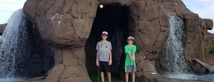 Paradise Golf & Arcade is one of Liam'ın Beğendiği Mekanlar.