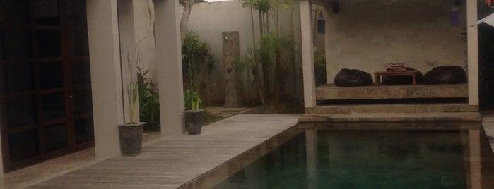 villa Teana is one of Natali🍒🍒🍒'ın Kaydettiği Mekanlar.