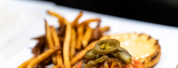 Legends Grille is one of Dining Tips at Restaurant.com Philly Restaurants.