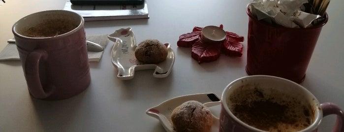 Cafe de Lulu is one of Locais curtidos por Levent.
