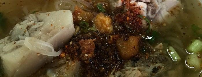 ก๋วยเตี๋ยวหางหมูสามชัย is one of Visit Eat Stay @ Hat Yai.