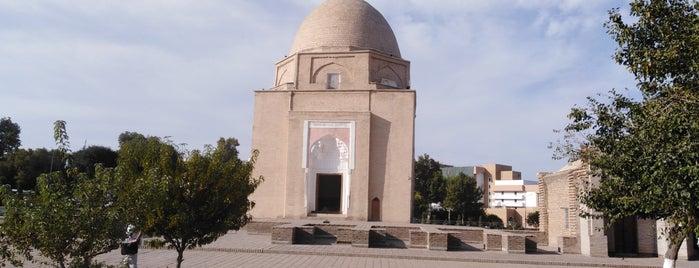 Ruhobod maqbarasi is one of Lieux sauvegardés par Ali.