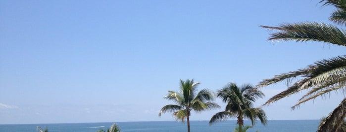 Marriott's BeachPlace Towers is one of สถานที่ที่ James ถูกใจ.