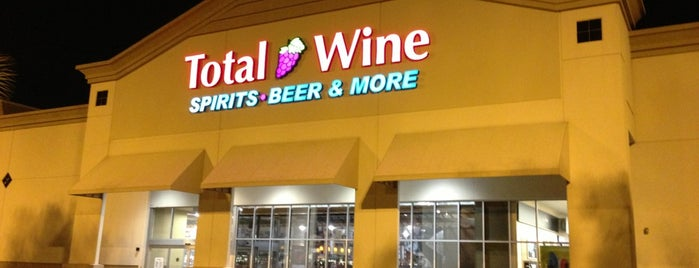 Total Wine & More is one of Locais curtidos por Luiz.
