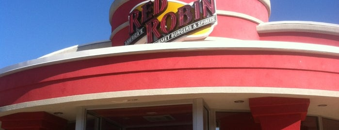 Red Robin Gourmet Burgers and Brews is one of Ristoranti.