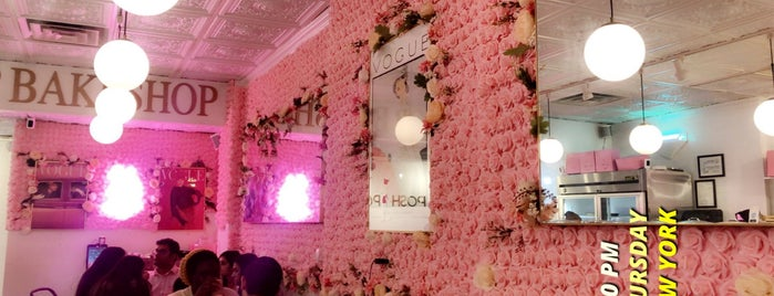 Posh Pop Bakeshop is one of Jessicaさんのお気に入りスポット.