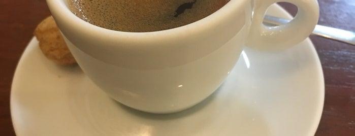 Limas Café is one of Melhores Confeitarias, Padarias, Cafés do RJ.