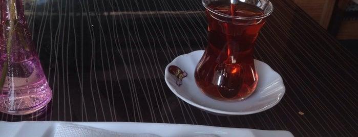 Orhan Pasta & Cafe is one of Denemeden geçme.