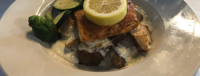 Lighthouse Seafood and Grill is one of Want to Try Out New 4.