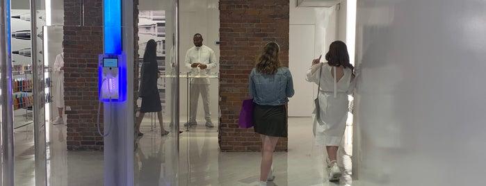 UZ 19 HOWARD is one of NYC Summer 2019.