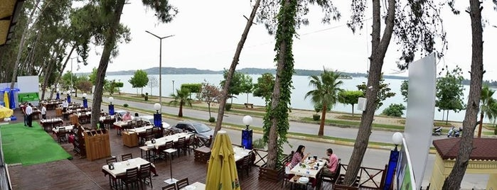 Meşhur Hadırlı Restaurant is one of kebap.