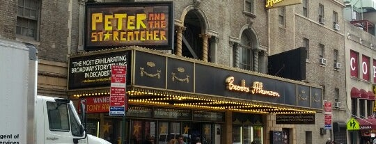 Brooks Atkinson Theatre is one of Locais curtidos por Dennis.