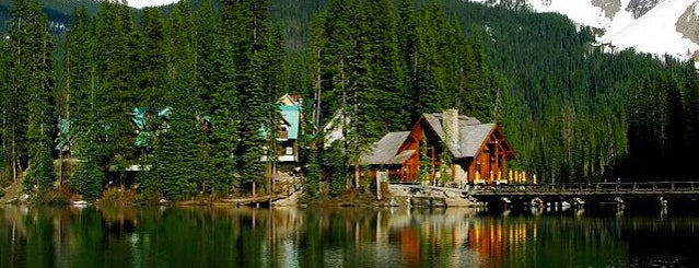 Emerald Lake Lodge is one of Gespeicherte Orte von nergiz.