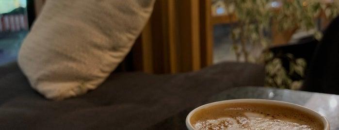 Dunn Coffee Roasters is one of Coffee shops   Riyadh ☕️🖤.
